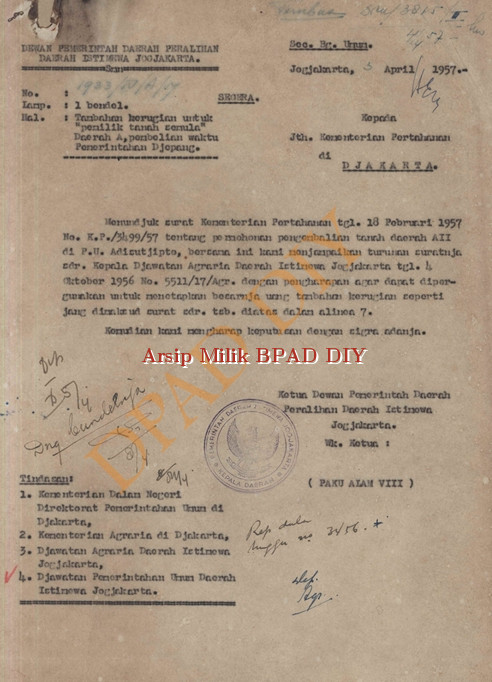 Surat dari dewan pemerintah Daerah Peralihan DIY kepada Kementerian Pertahanan di Jakarta No.1459/VII/3889/P/57 tanggal 3 April 1957 tentang permohonan tambahan kerugian untuk pemilik tanah semula daerah A pembelian waktu jepang.