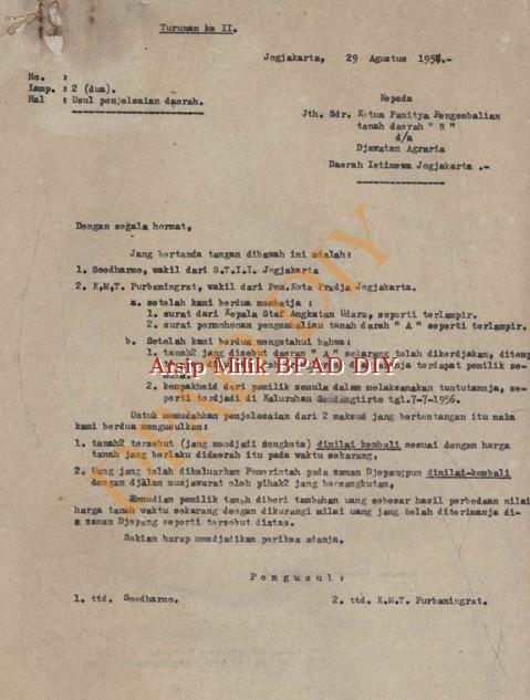 Surat dari KMT Purbaningrat dan Soedarmo kepada ketua panitia pengembalian tanah Daerah B tanggal 29 agustus 1957 tentang penyelesaian masalah pengembalian tanah Daerah  A.