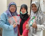 Penyerahan Karya Cetak Dari Barokatussolihah, S.AG. Penulis Buku