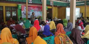 "Bedah Buku : ""Kebijakan Pembangunan Destinasi Pariwisata"" di Panggang Gunung Kidul"